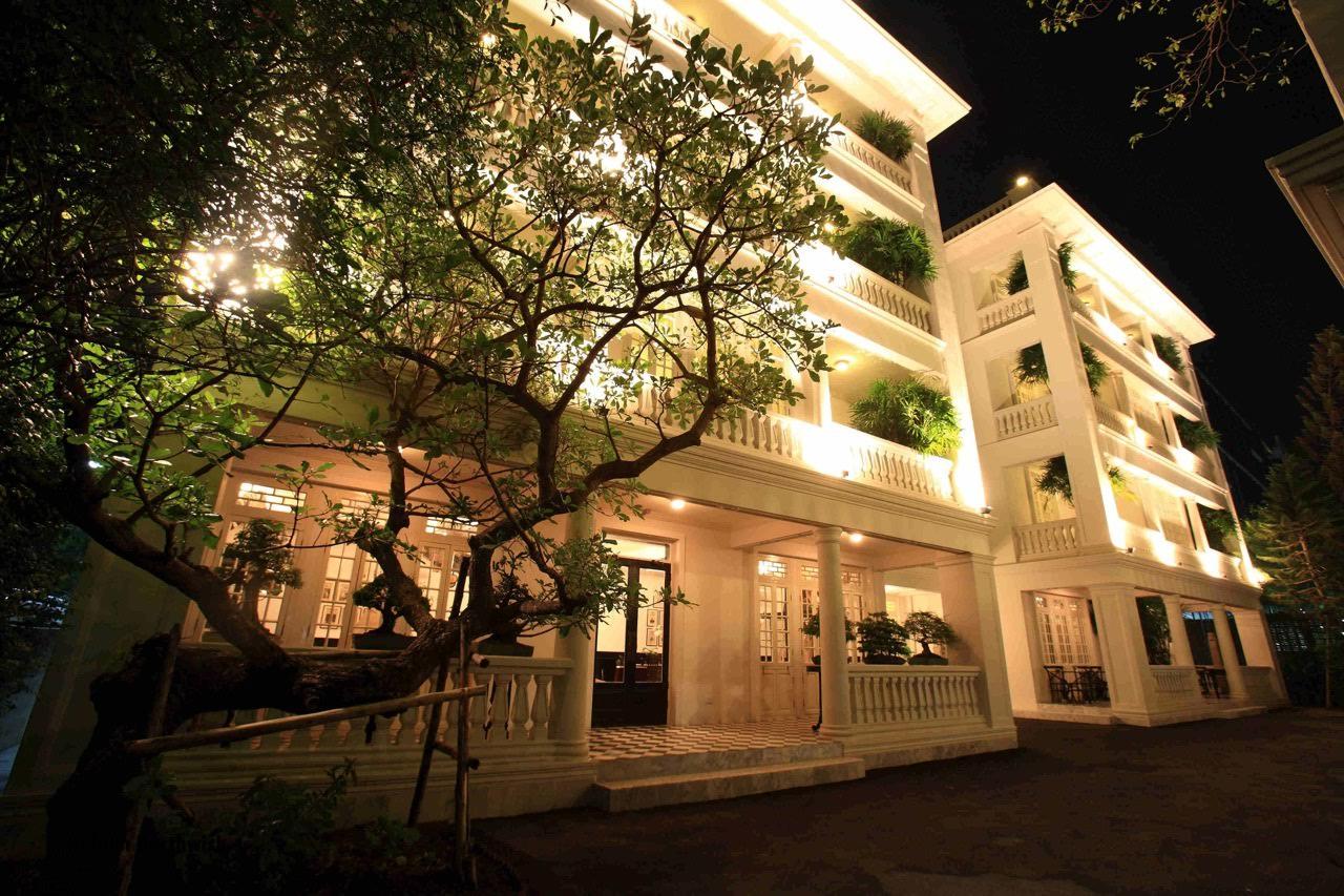 Cabochon Hotel, 6 historic Bangkok hotels