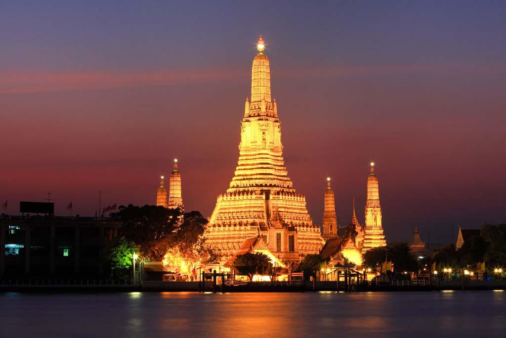 Arunratchawararam Ratchaworamahawihan Temple orTemple of Dawn, Bangkok