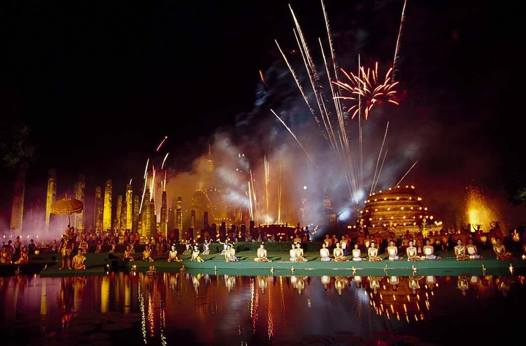 Sukhothai Loi Krathong and Candle Festival