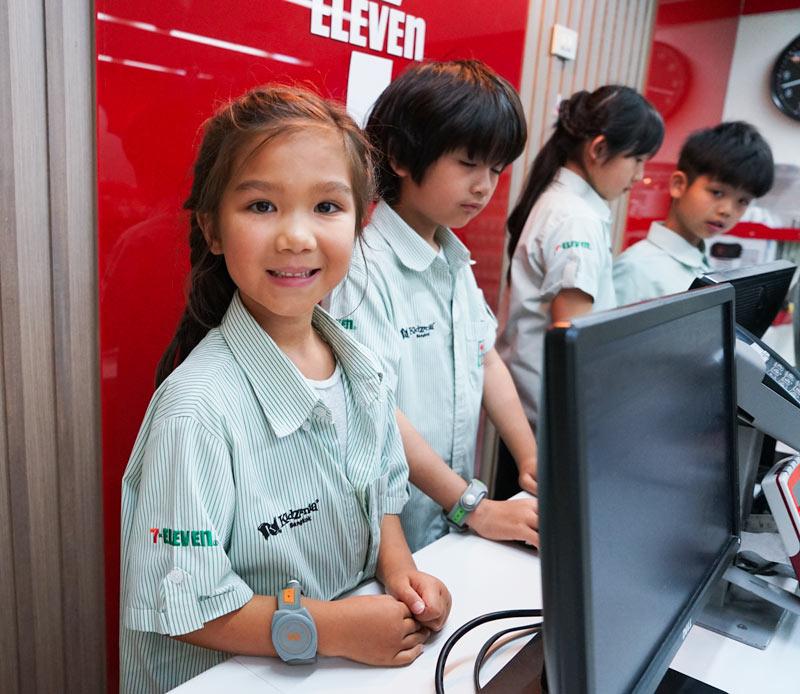 Bangkok-with-Kids-Kidzania-7Eleven-Staff
