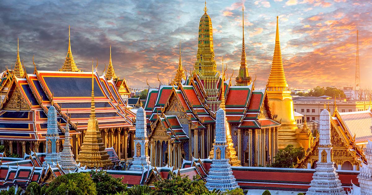 grand-palace-wat-phra-keaw-sunset-758515984