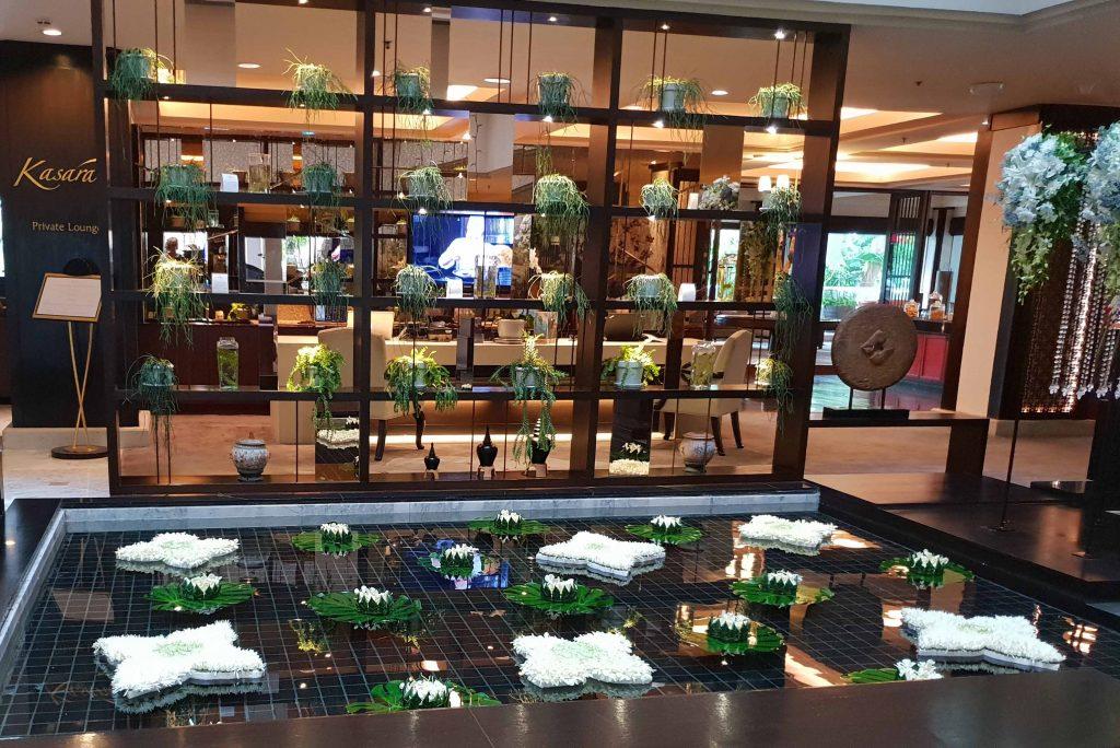 Anantara-Hotel-foyer-water-feature