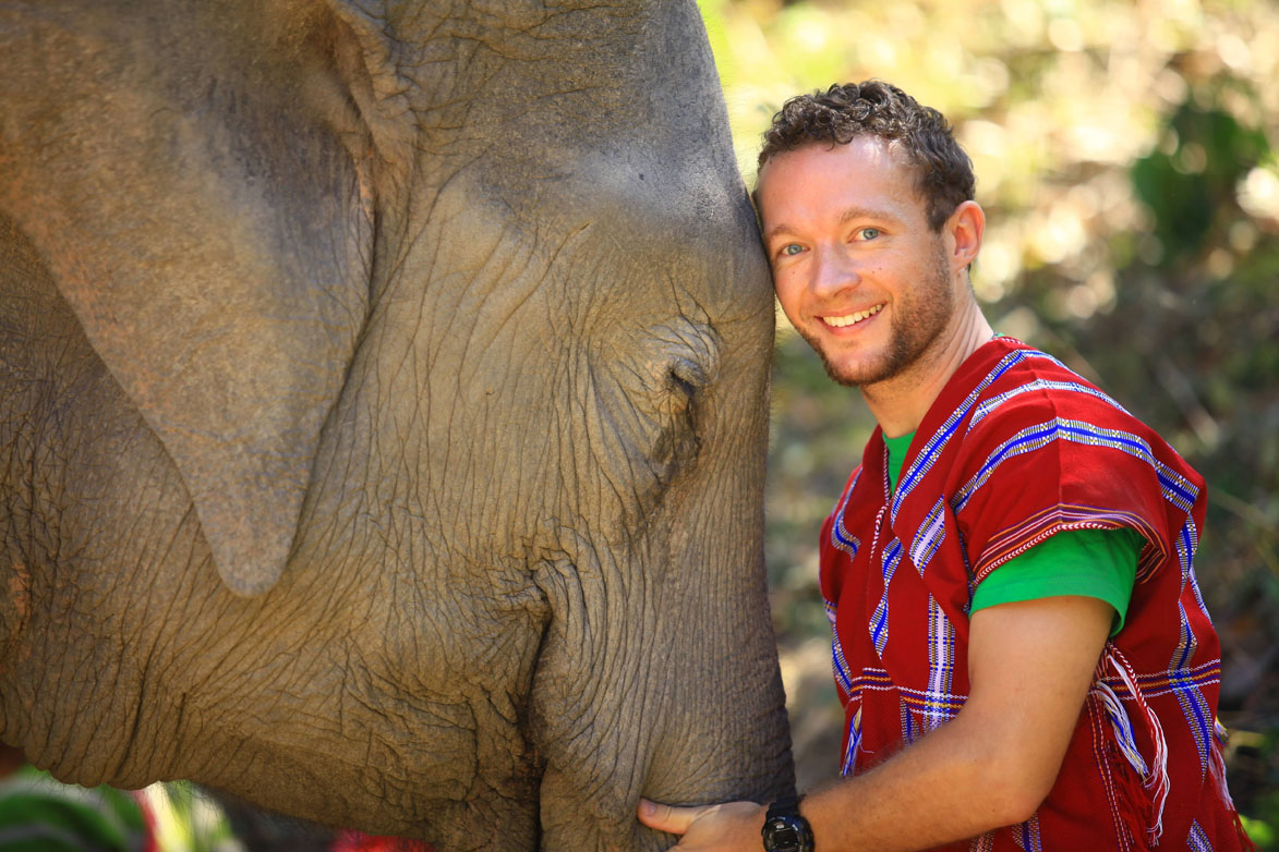 B'n'Tree Chris Kaiser and his beloved elephants
