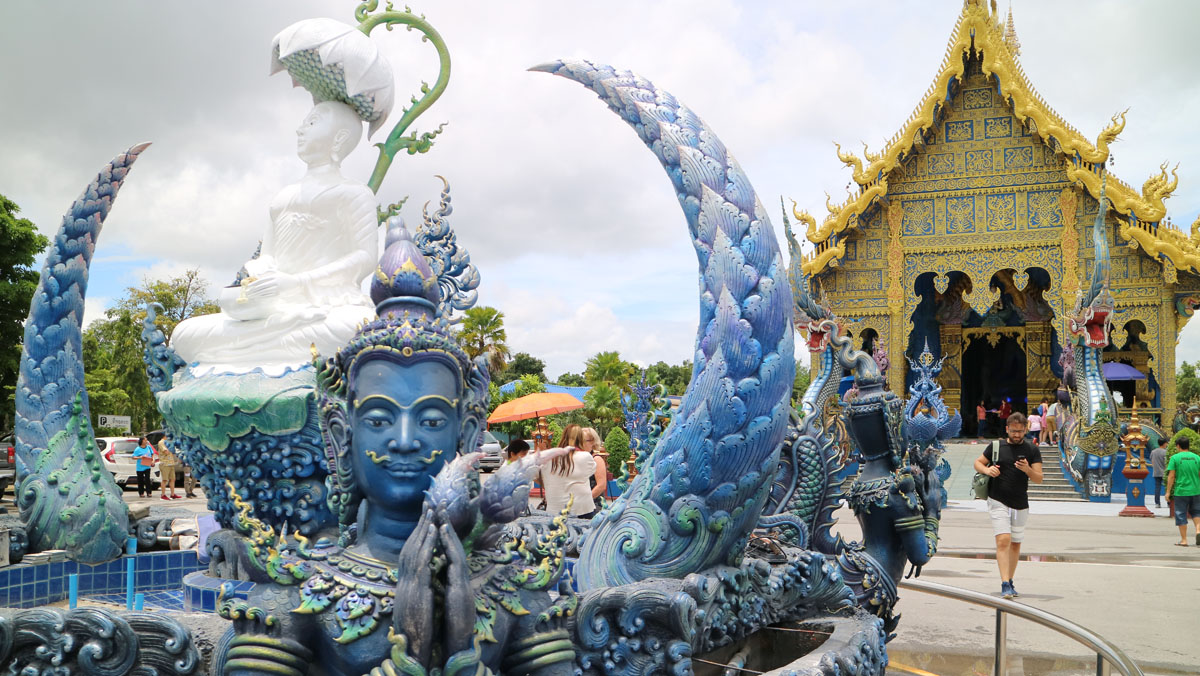 Thailand Cycling tour Chiang Rai Blue Temple