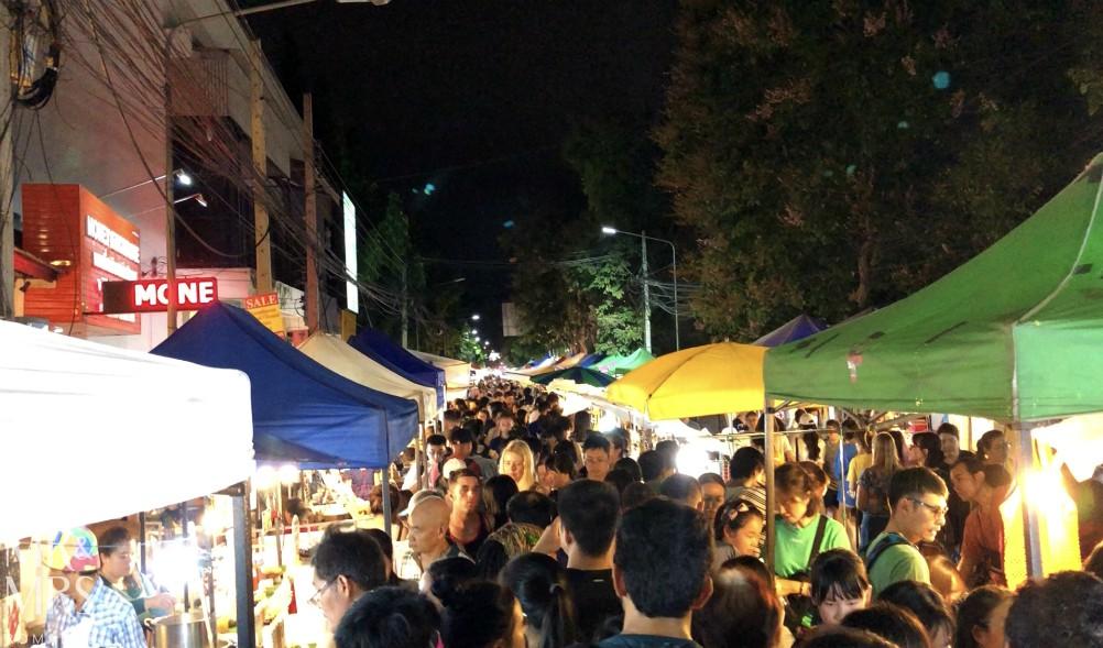Visit-Chiang-Mai-Walking-Street