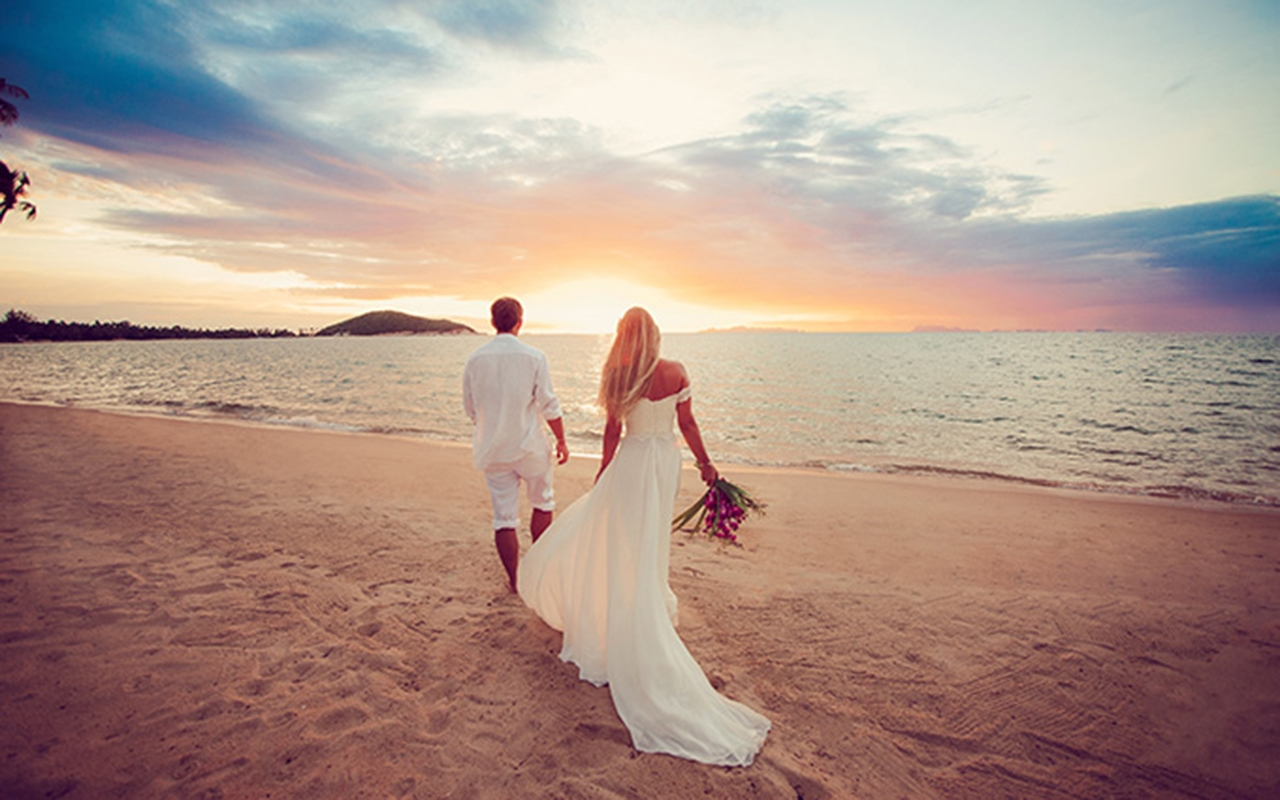 Getting Married in Thailand Fotolia_100202497