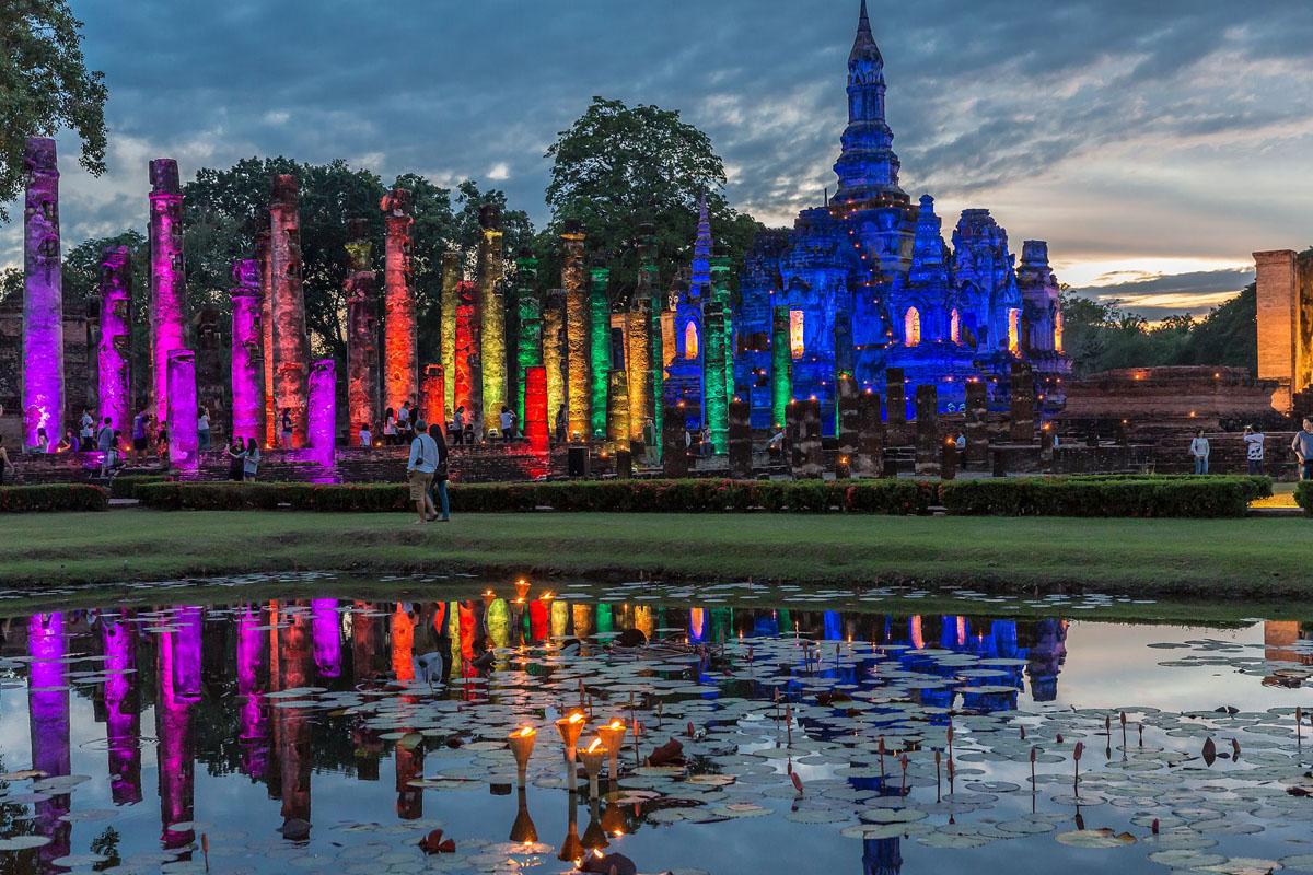 Sukhothai_Historical_Park_Wat_Mahathat_01