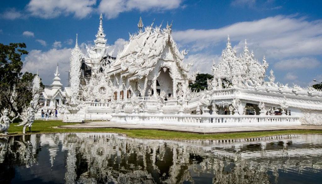 Chiang-Rai-Wat-Rong-Khun