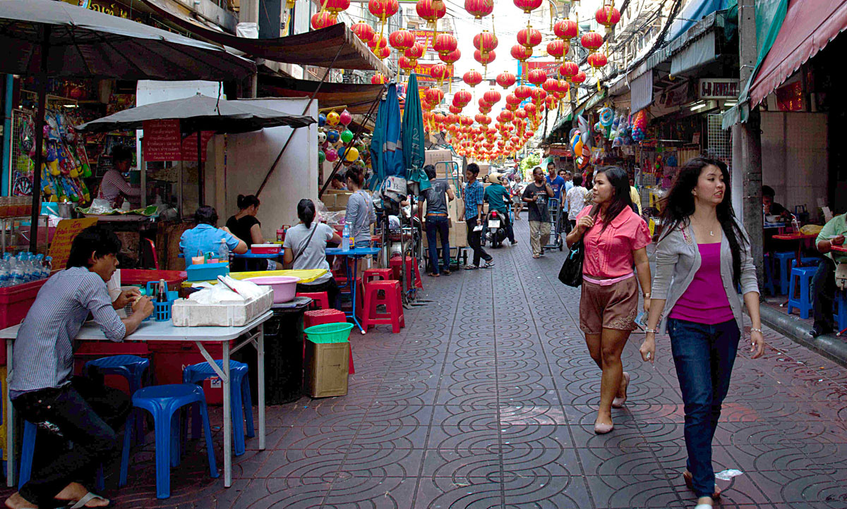 Soi Itsara Nuphap, Chinatown. Copyright John Borthwick