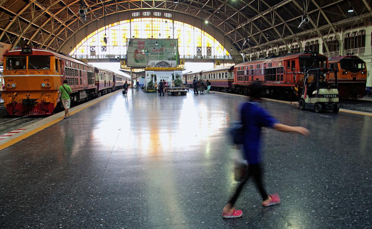 Platform and trains at Hualamphong, Bangkok central railway station. January 2018. Copyright John Borthwick