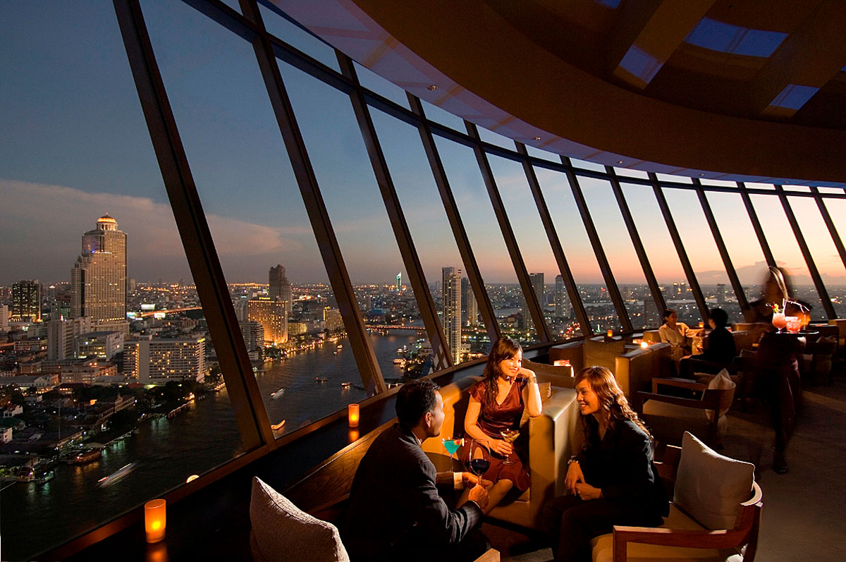 Three Sixty Bar-Millennium Hilton