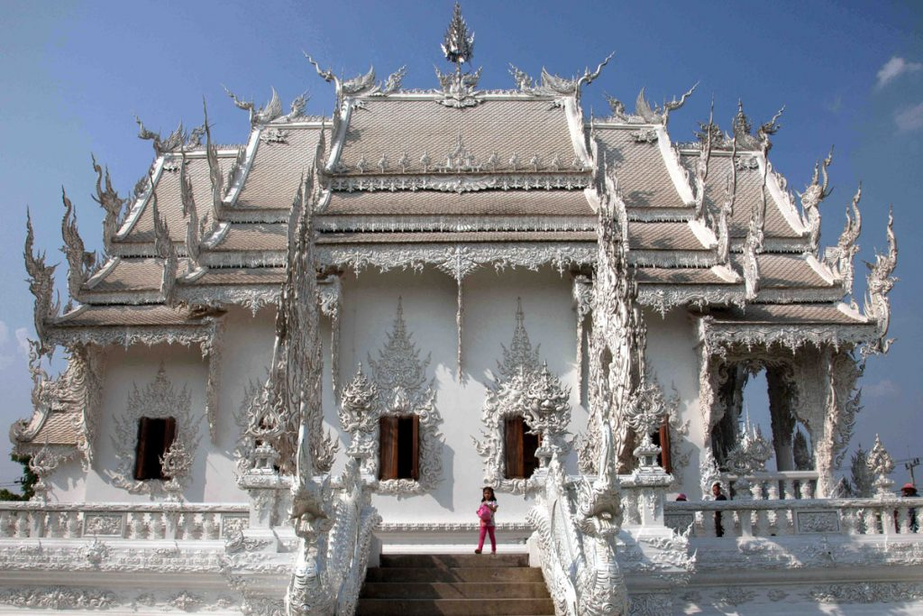 Wat Rung Khun (the White Temple).