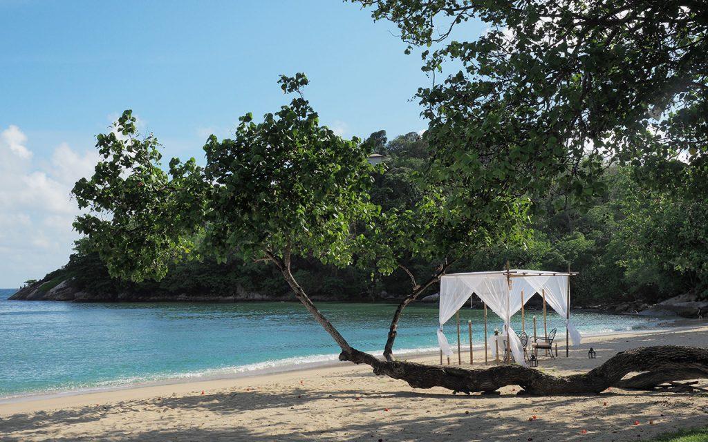 Mr _ Mrs Romance - Romantic Thailand - 0 dinner on the beach